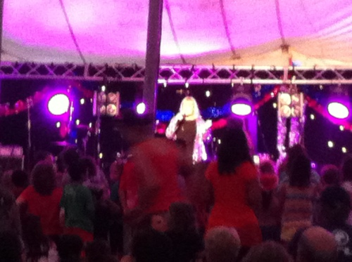 Little Pattie singing the Maroubra Stomp at Carols by Candlelight